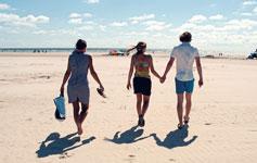 Sommer i DanmarkDer er et yndigt land fyldt med skønne feriesteder!