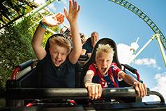 Massor av kul för barnen! Välj bland vårt stora utbud av nöjesparker, sommarland, badland och djuparker.