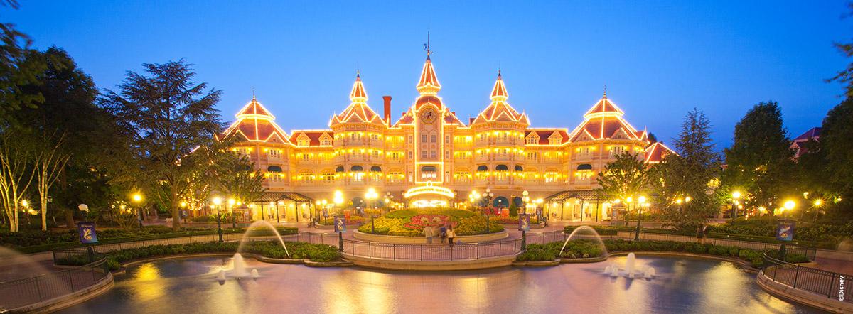 Disneyland® Pariisin hotellitDisneyland® Pariisissa on seitsemän mukavaa teemahotellia, joista voit valita!