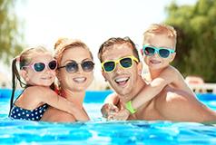 Stora rabatter för sommaren 2018 Mängder av rabatter på härliga hotell, lägenhetshotell och semesterbyar i bland annat Danmark, Kroatien och Frankrike.