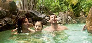Center Parks Herlige ferieparker i Tyskland, Frankrike og Nederland med spennende badeland og mange aktiviteter. Åpningstider: hele året.
