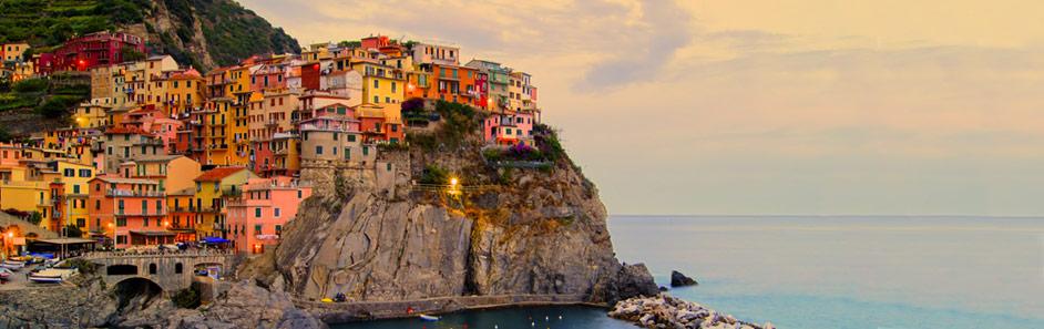 Italien - MedelhavskustenVia berg och djupa dalar.