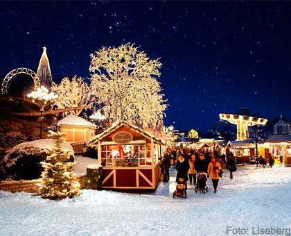 """Säihkyvä GöteborgHienoa joulutunnelmaa luvassa! 5 miljoonaa välkkyvää jouluvaloaLisebergin huvipuistossa. Joka viikonloppujoulumarkkinat""""Haga- och Kronhusbodarna"""". Lisebergin joulu: 18/11-30/12."""