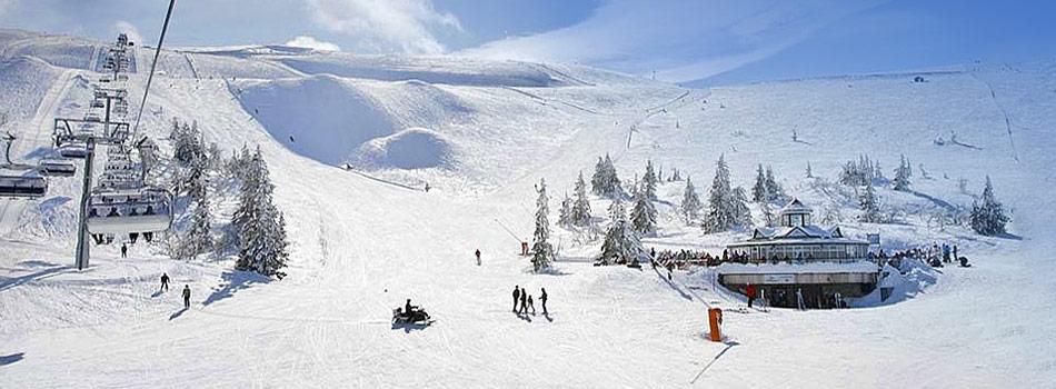 Skiferie i NorgeHvad betyder god ski kørsel for dig? Er det høje toppe eller lange nedkørsler, som passer alle i familien? Eller måske hygge og eventyrlig atmosfære, høj standard på overnatningen, gode restauranter i byen og på bakken? I så fald er det et godt tip at bestille skiferien til Norge i vinter.