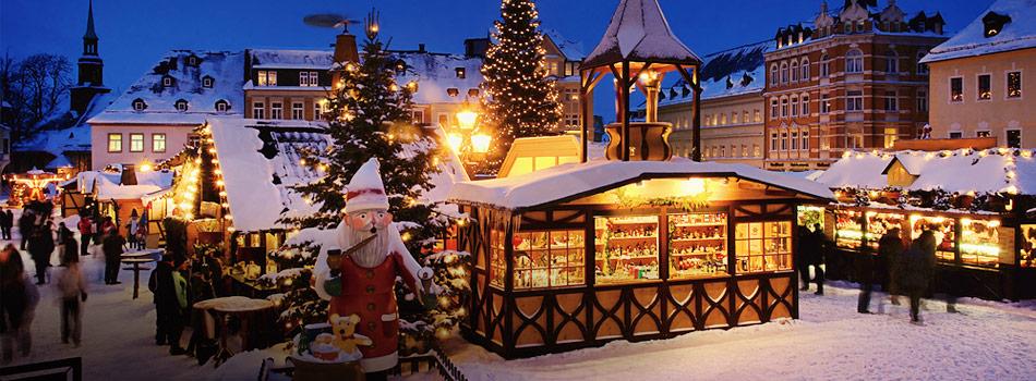 Bedste julemarkederJulestemning og shopping. Her er en oversigt over Europas bedste shoppingbyer, som har fokus på julen..