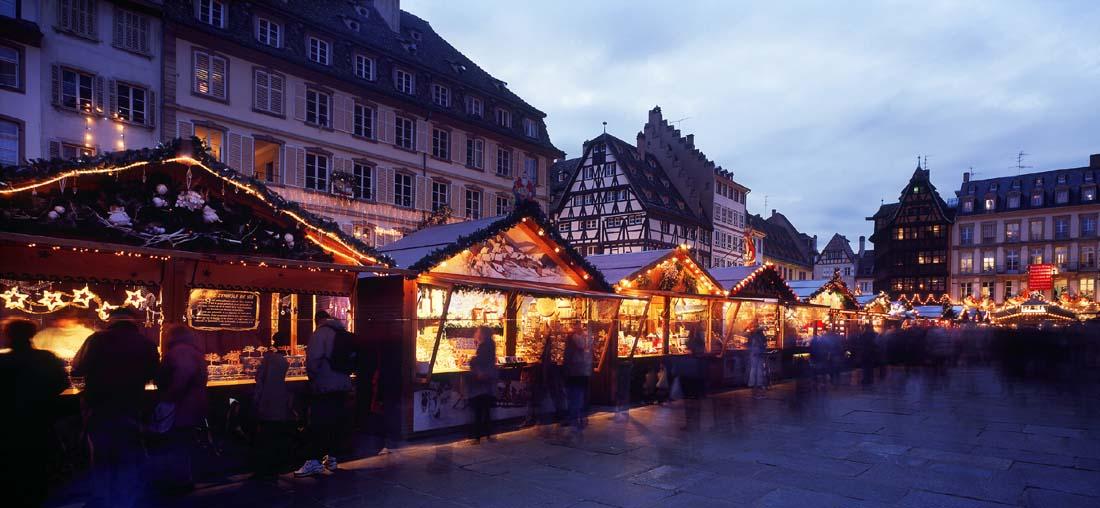StrasbourgTänä vuonna pidetään upeat joulumarkkinatStrasbourgissa445. kerran,mikä tekee niistä yhdetvanhimmista - ei pelkästään Ranskassa vaan koko maailmassa.