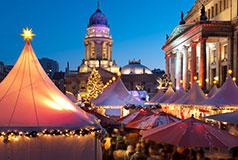 Huvudstaden BerlinHuvudstaden Berlin kan skryta med fler julmarknader - kommande jul fler än 60 stycken. Julmarknad: 26/11-31/12 ALLA HOTELL