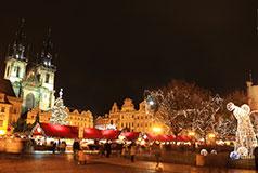 Historiske PragDer findes mange julemarkeder at vælge imellem i Prag. Nogle af de største findes på den torvet i den gamle bydel og på Vaclavpladsen. Julemarked: 2/12-6/1